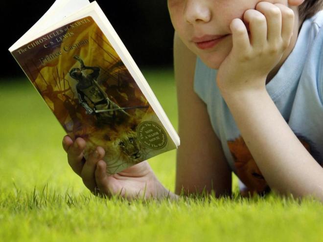 niño leyendo